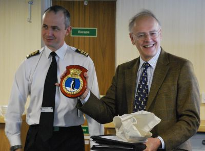 Robin Back receives HMS Scott plaque
