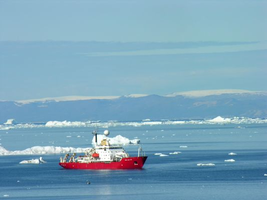 """James Clark Ross"" in Disko Bay"